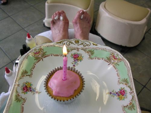 Birthdaytoes