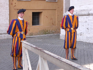 Swiss_guard_1